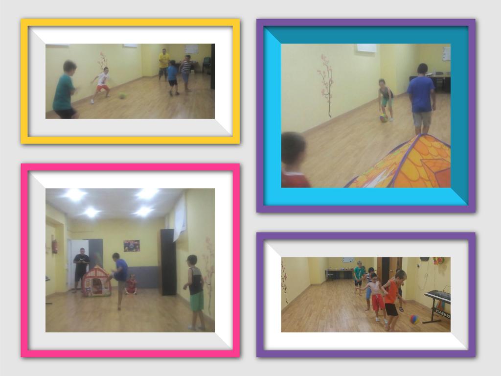 Jugando a pelota en la sala polivalente con los demás niños/as.